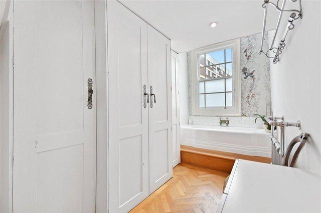 У Лондоні продають будинок шириною лише 1,8 метра: фото помешкання зсередини - фото 426923