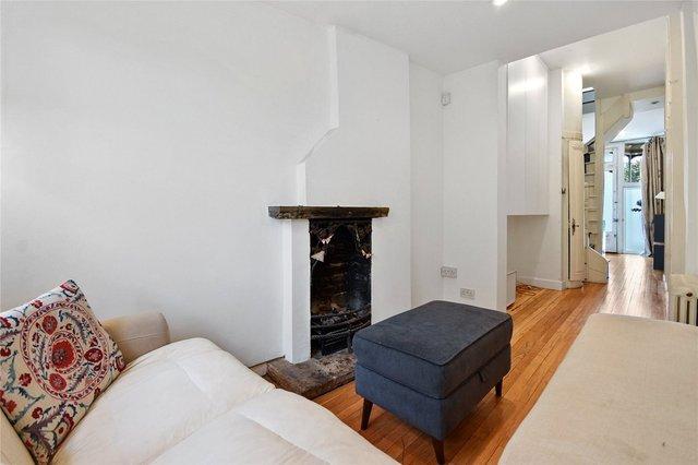 У Лондоні продають будинок шириною лише 1,8 метра: фото помешкання зсередини - фото 426928