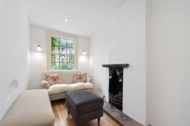 У Лондоні продають будинок шириною лише 1,8 метра: фото помешкання зсередини - фото 426930