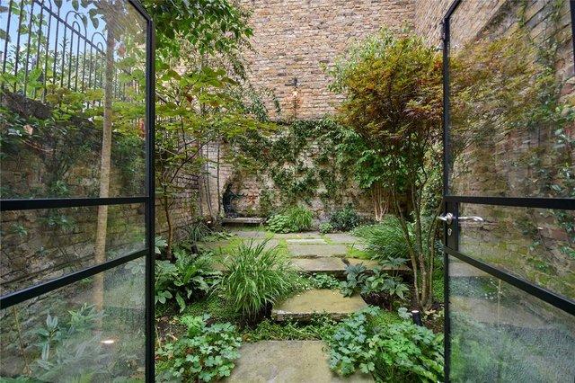 У Лондоні продають будинок шириною лише 1,8 метра: фото помешкання зсередини - фото 426934