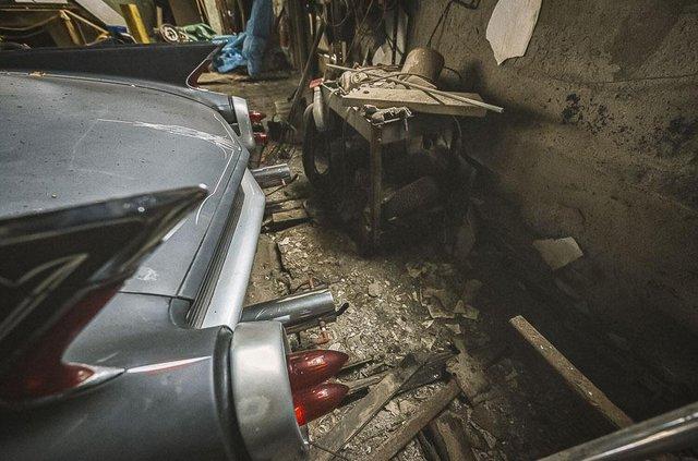 У покинутій школі виявили колекцію рідкісних авто: фото - фото 427091