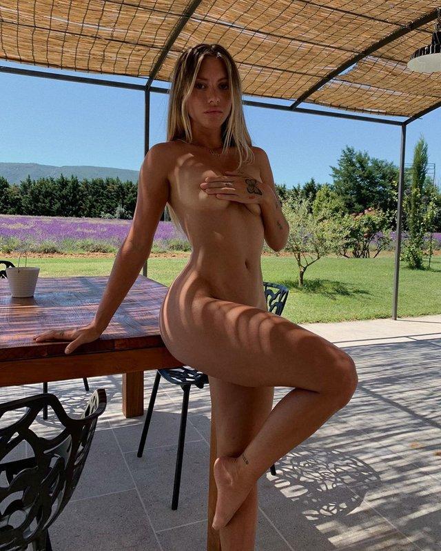 Дівчина тижня: гаряча модель без комплексів Паулін Танто, яка обожнює голі фото (18+) - фото 427163