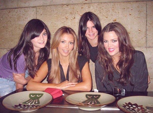 instagram.com/kimkardashian - фото 427654
