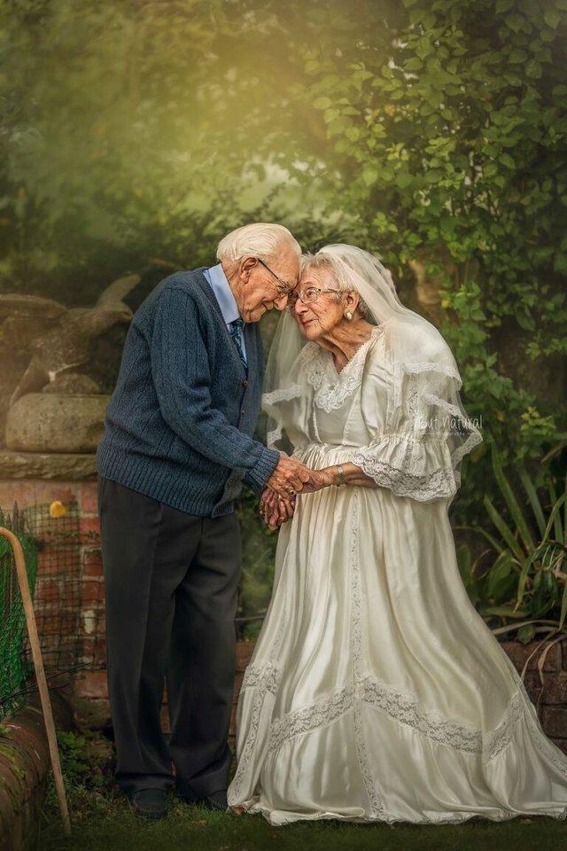 72 роки разом: ця пара змушує вірити у вічне кохання - фото 427710