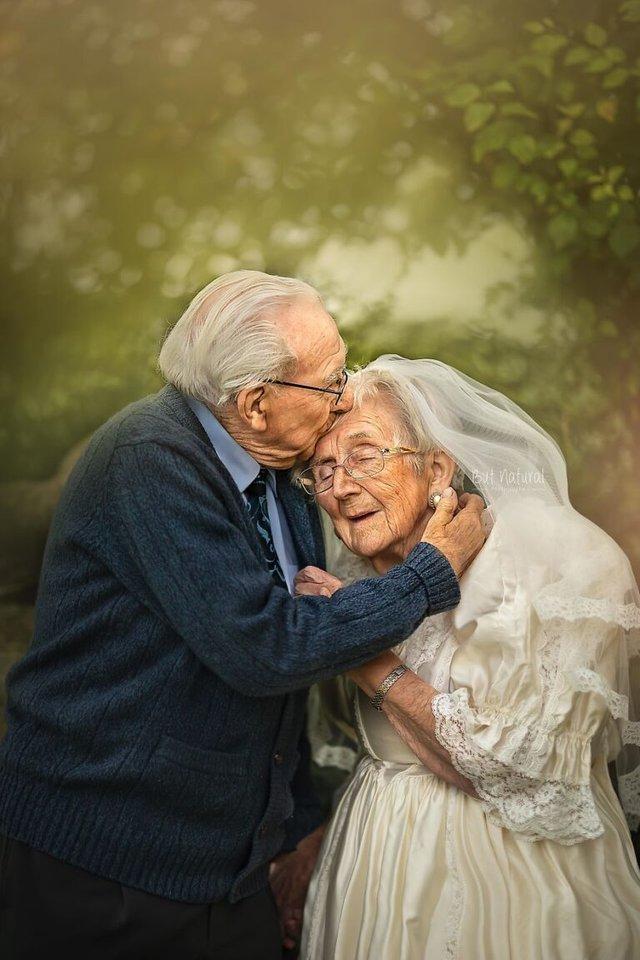 72 роки разом: ця пара змушує вірити у вічне кохання - фото 427712