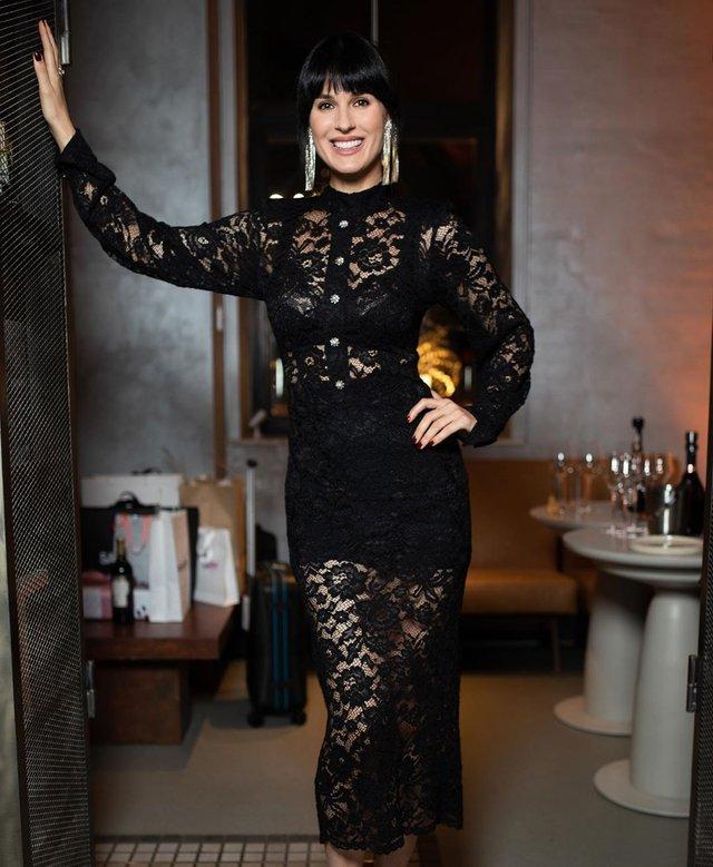 Маша Єфросиніна розбурхала мережу спокусливим образом у повністю прозорій сукні - фото 427870