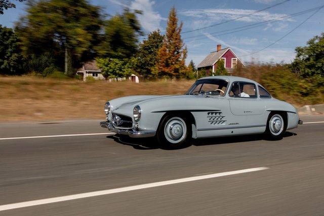 Дводверний Mercedes-Benz 1957 року продали за космічні гроші - фото 427962