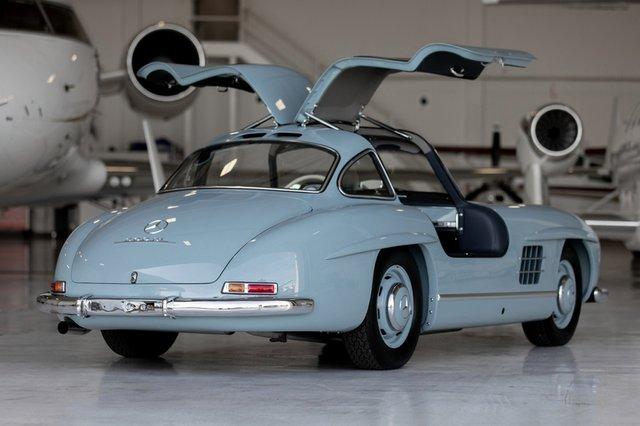 Дводверний Mercedes-Benz 1957 року продали за космічні гроші - фото 427963