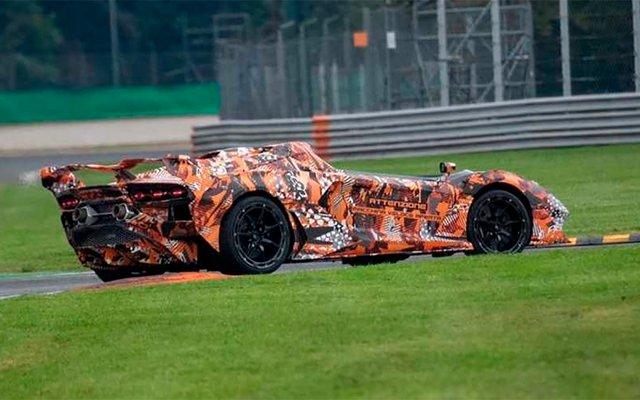 Lamborghini вивела на тести найекстремальнішу версію Aventador - фото 428477