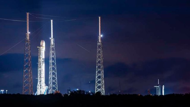 SpaceX скасувала запуск ракети за дві секунди до старту - фото 428502