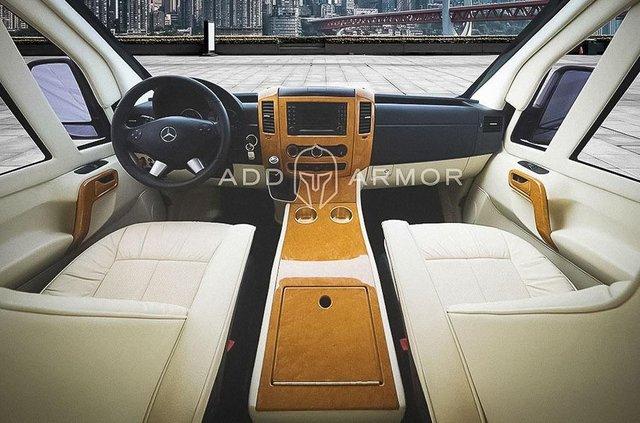 Подивіться на цей 'сейф на колесах' на базі Mercedes - фото 428521