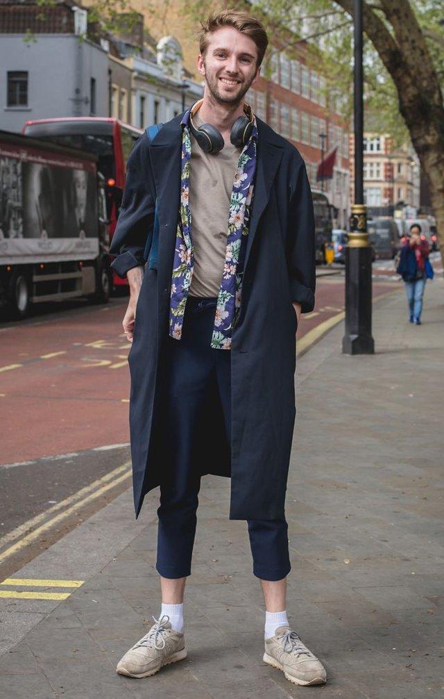 Як і з чим стильно носити чоловічий тренч: 10 модних ідей у фото - фото 428655