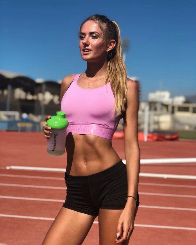 Дівчина тижня: спокуслива Аліса Шмідт, яка є найсексуальнішою спортсменкою планети (18+) - фото 428669