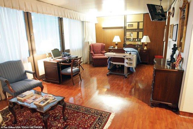 У мережі показали, як виглядає палата Трампа, в якій 6 кімнат - фото 428784
