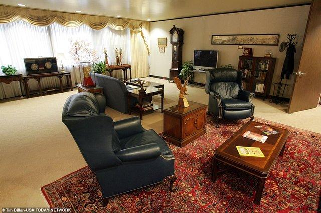 У мережі показали, як виглядає палата Трампа, в якій 6 кімнат - фото 428787