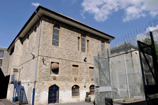 Британії туристам пропонують стати в'язнями на ніч - фото 429059