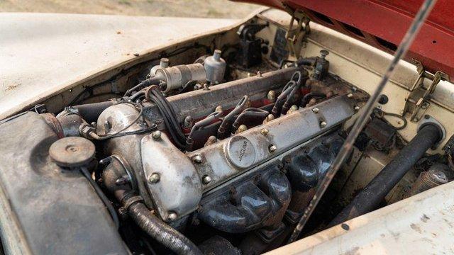 В амбарі виявили 66-річний родстер Jaguar з багатою історією: фото - фото 429119