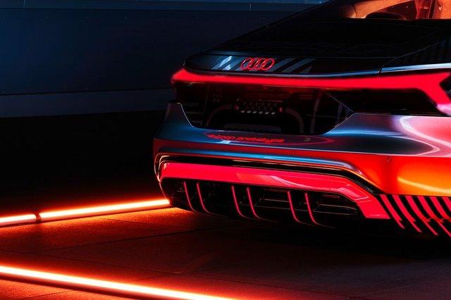 Audi представила прототип потужного E-Tron GT: ефектні фото - фото 429381