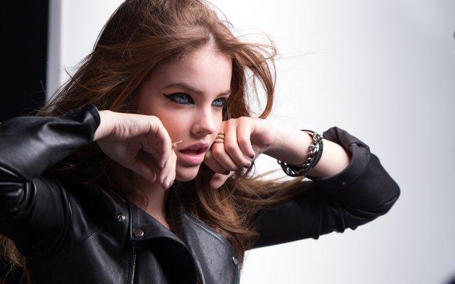 Як змінювалася найсексуальніша угорська модель Барбара Палвін: фото 18+ - фото 429562