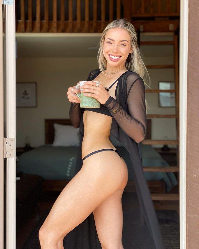 Дівчина тижня: розкута юна модель Чарлі Джордан, яка заводить відвертими фото (18+) - фото 430791