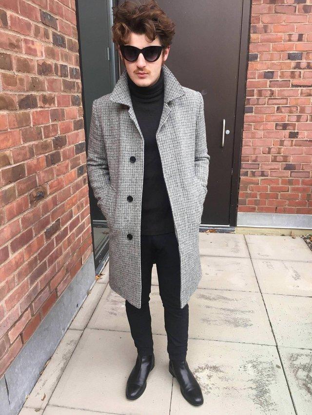 З чим носити чоловіче пальто: 10 стильних образів у фото - фото 430808
