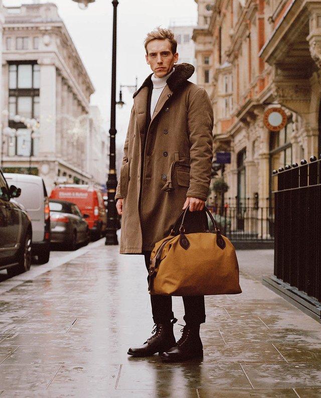 З чим носити чоловіче пальто: 10 стильних образів у фото - фото 430812