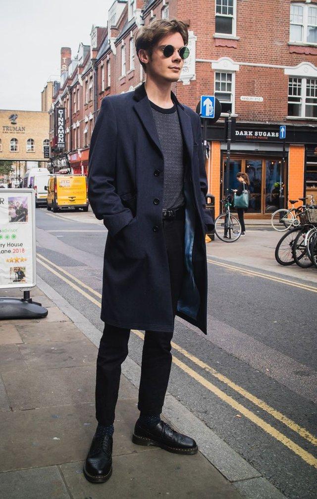 З чим носити чоловіче пальто: 10 стильних образів у фото - фото 430818