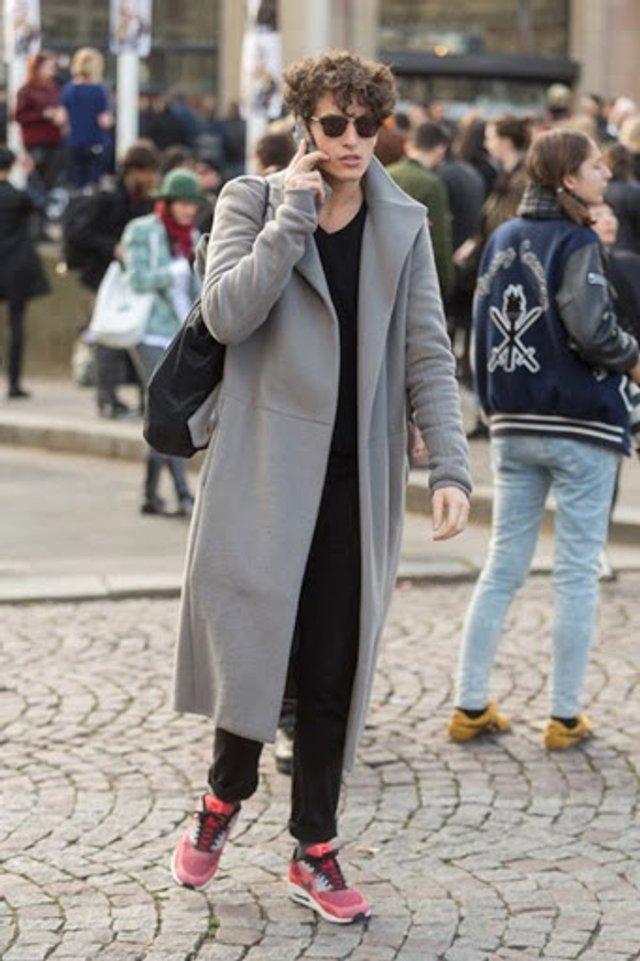 З чим носити чоловіче пальто: 10 стильних образів у фото - фото 430819