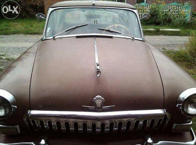В Україні виставили на продаж Волгу за ціною спорткара - фото 430984