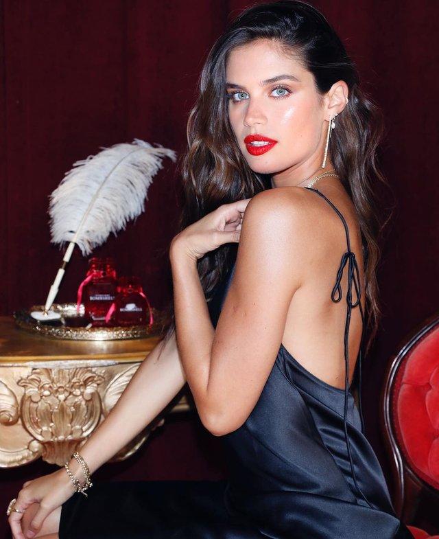 Дівчина тижня: гаряча красуня Сара Сампайо – той самий ангел з реклами Axe Effect (18+) - фото 431854