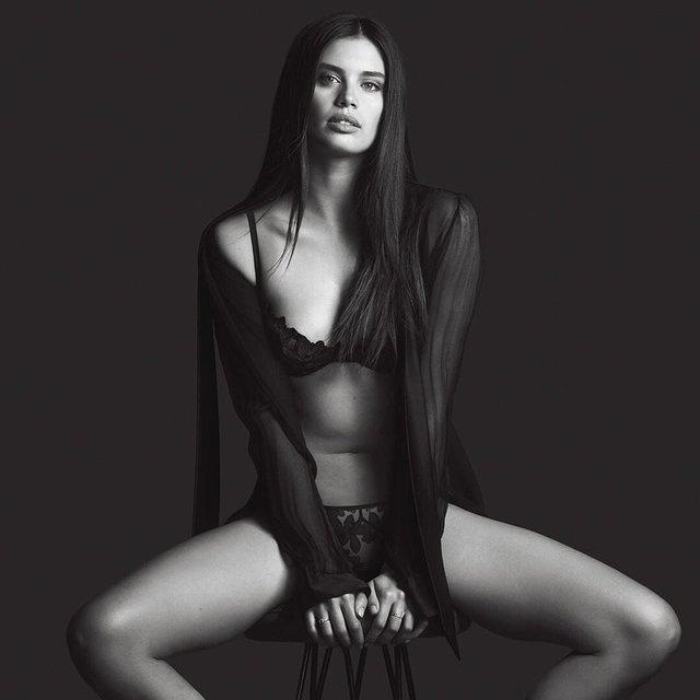 Дівчина тижня: гаряча красуня Сара Сампайо – той самий ангел з реклами Axe Effect (18+) - фото 431857