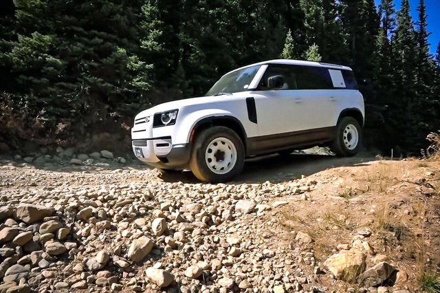 Новий Land Rover Defender зламався на другий день експлуатації - фото 432052