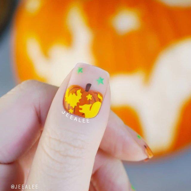 Манікюр на Хеловін 2020: модні тренди дизайну нігтів у фото - фото 432527