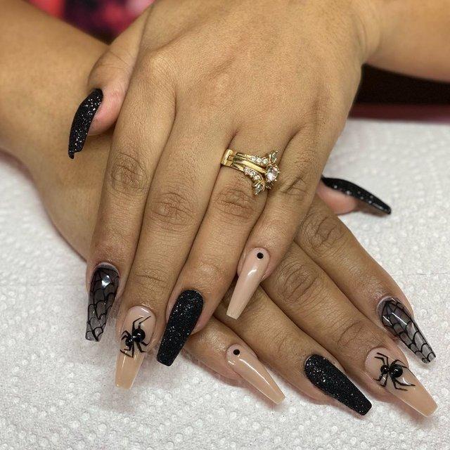Манікюр на Хеловін 2020: модні тренди дизайну нігтів у фото - фото 432532