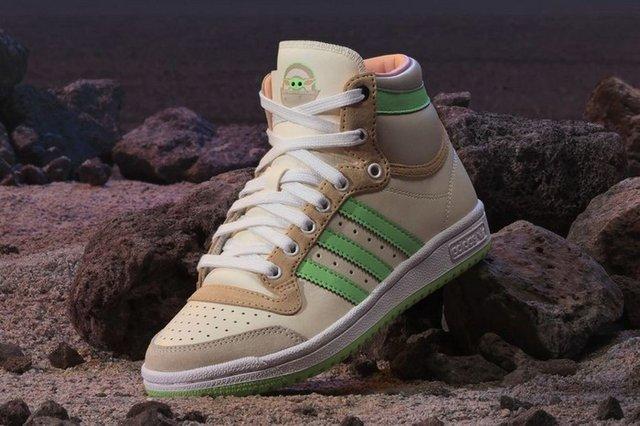 Adidas присвятили нові кросівки малюкові Йоді - фото 432563
