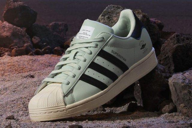 Adidas присвятили нові кросівки малюкові Йоді - фото 432564