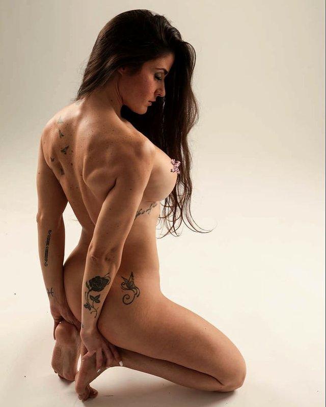 Дівчина тижня: фітнес-модель без комплексів Заїра Серрано, яка заводить голими фото (18+) - фото 433048