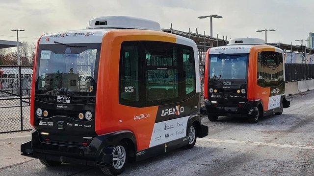 У Канаді почали курсувати безпілотні міські автобуси - фото 433670