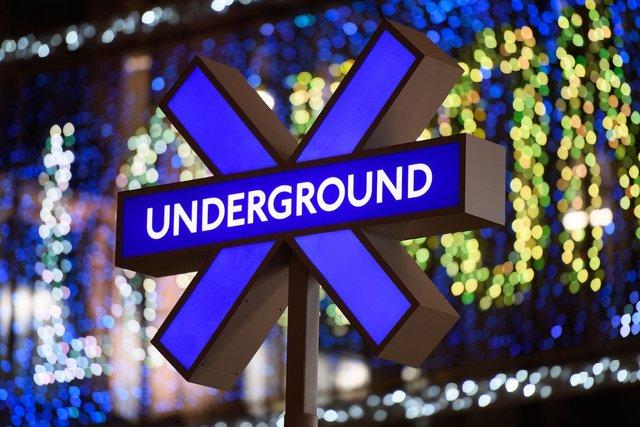 Sony підготувала лондонське метро до виходу PlayStation 5 - фото 435680