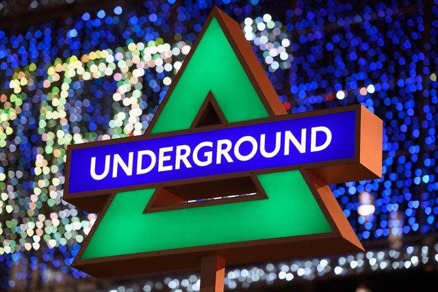Sony підготувала лондонське метро до виходу PlayStation 5 - фото 435681