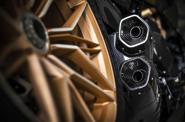 Представлено мотоцикл Ducati у стилі Lamborghini Sian: у чому його особливість - фото 436757