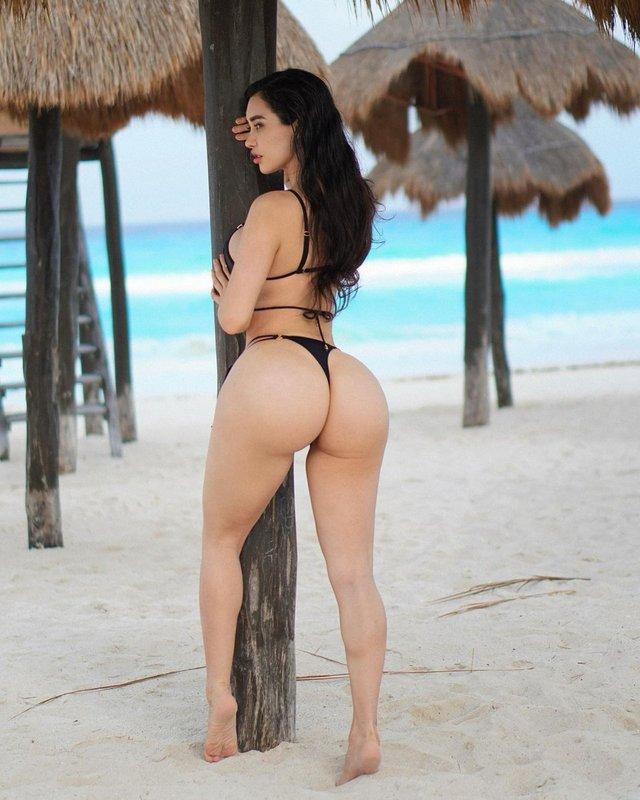 Дівчина тижня: пишногруда фітоняшка Джозелін Кано, яка заводить своїми формами (18+) - фото 437166