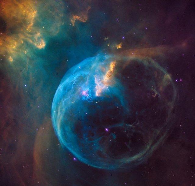 У NASA показали 30 неймовірних фото космосу, приурочені до ювілею телескопа Хаббл - фото 439265