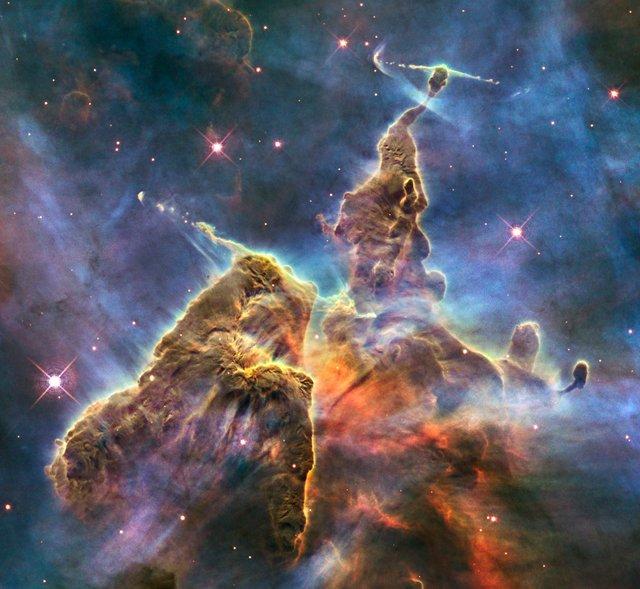У NASA показали 30 неймовірних фото космосу, приурочені до ювілею телескопа Хаббл - фото 439274