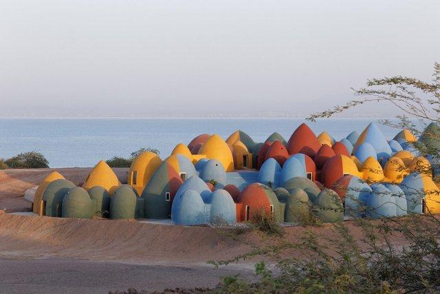 Справжній інстаграмний рай: як виглядає кольорове село на острові Ормуз в Ірані - фото 441692