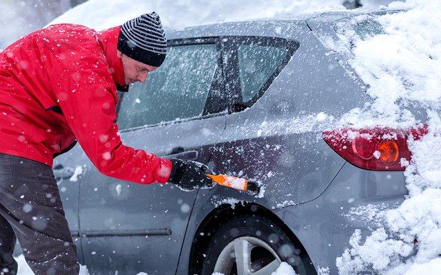 Чого не можна робити при запуску двигуна у мороз: найпоширеніші помилки майже усіх водіїв