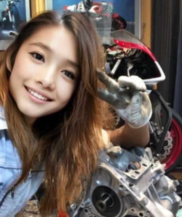 Популярна блогерка з Японії виявилася 50-річним байкером (фото) - фото 452061