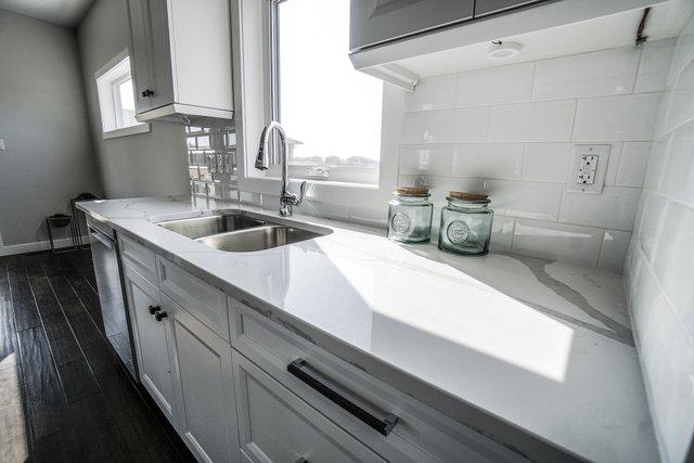 Як використовувати лимон для прибирання: прості лайфхаки - фото 455515