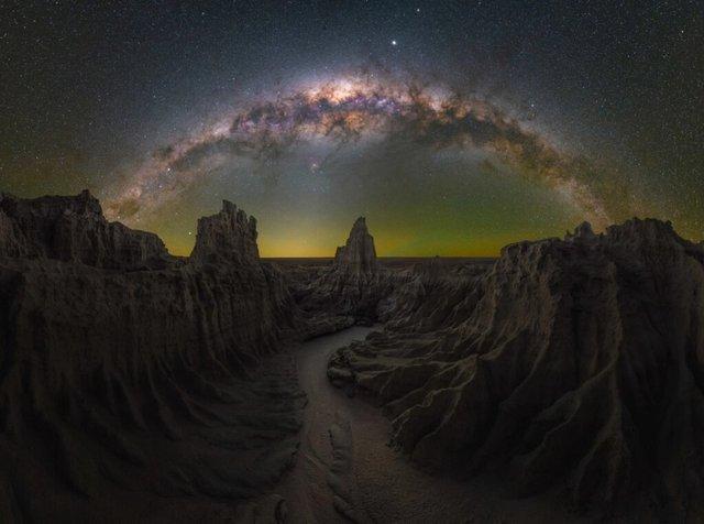 У мережі показали найкращі фото Чумацького Шляху за версією Capture the Atlas - фото 461423